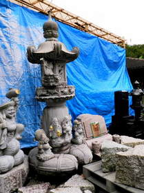2016-09・15 石材店前の石像・・・ (8).JPG